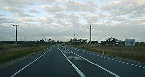 Western Sydney Airport - Image: Western Sydney (Badgerys Creek) Airport site Elizabeth Drive near Badgerys Creek Rd