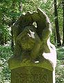 Wilmersdorfer Waldfriedhof Stahnsdorf - Skulptur Mittendorff.jpg