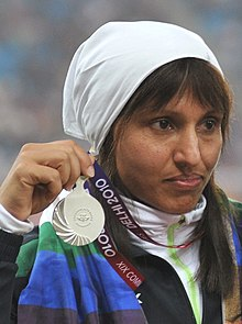 XIX Commonwealth Games-2010 Delhi Winners of Discus (Women's) Krishna Poonia of India (Gold), Harwant Kaur of India (Silver) and Seema Antil of India (Bronze) during the medal presentation ceremony (cropped) - Harwant Kaur.jpg