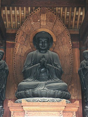 English: Buddhist statue inside a Temple in Xi'an