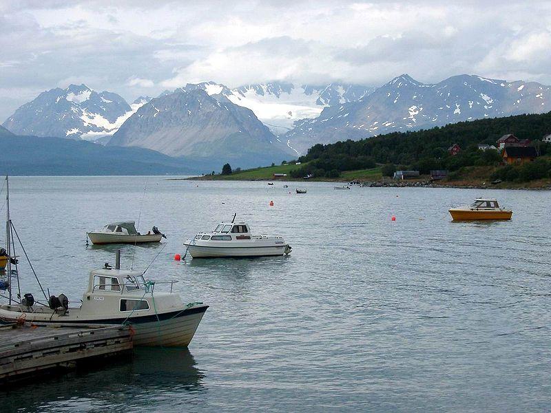 File:Zwischen Alta & Narvik 3 Norwegen.jpg