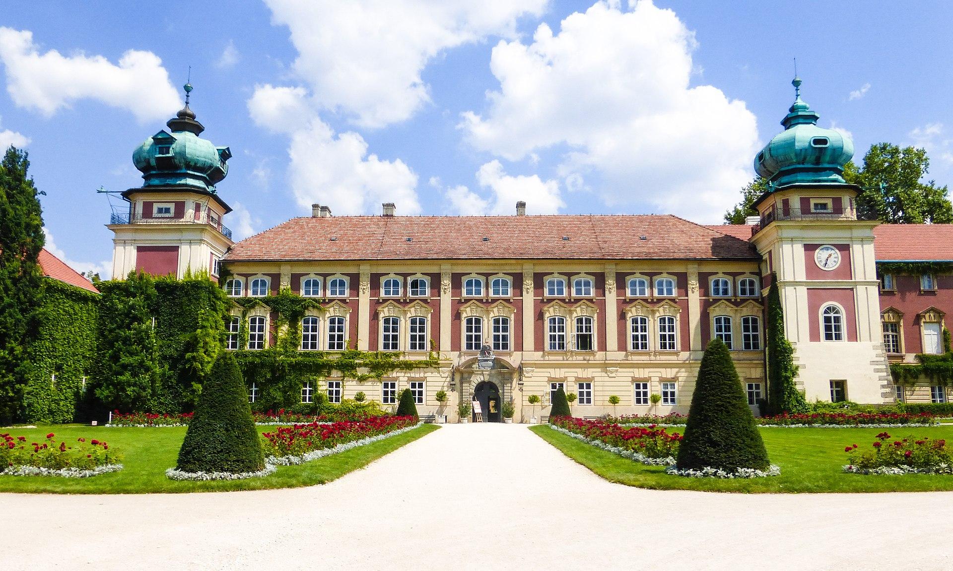 %C5%81a%C5%84cut_Castle on Baroque Style Interior Design