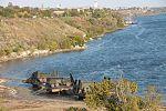 Інженерні підрозділи навели на Дніпрі під Херсоном понтонно-мостову переправу (30351477042).jpg