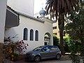 Вид на Успенскую церковь Касабланки с приходского двора (7295660280).jpg
