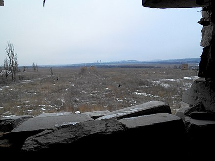 View from a Ukrainian army trench near Pisky, January 2017 Peredovi pozitsiyi v naselenomu punkti Piski.jpg