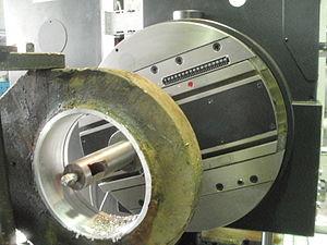 Расточка отверстий на токарном станке