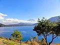 本栖湖から富士山を見る - panoramio.jpg