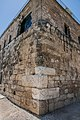 0027מבצר צלבני בציפורי חלק מאבני הבניה שבפינה הם סרקופגים שנלקחו מהאתר.jpg