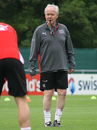 Köbi Kuhn - Kuhn supervises training for Euro 2008.
