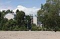1950-luvun lähiöarkkitehtuuria Maunulassa, kerrostalon takapihaa, Pakilantie 8 - G29567 - hkm.HKMS000005-km0000obi7.jpg