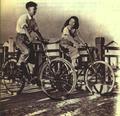 1952-08 曹杨新村的工人.png