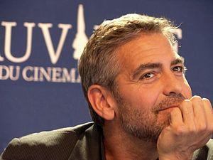 photo de George Clooney prise à la conférence ...