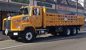 Western Star Trucks - Western Star 4700SB (set-back axle)