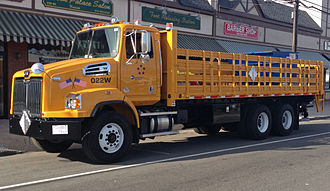 Western Star Trucks - Western Star 4700SB (set-back axle)