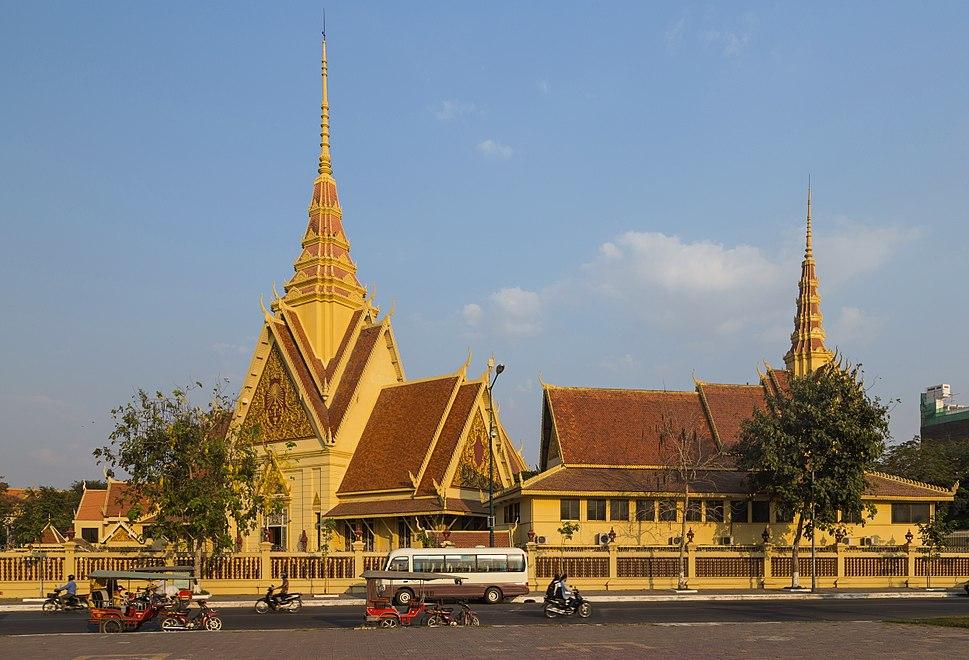 2016 Phnom Penh, Budynek s%C4%85du (04)
