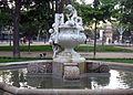 224 Gerro amb nens, parc de la Ciutadella.JPG