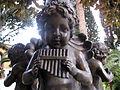 25 Villa Retiro, amorets de bronze.jpg