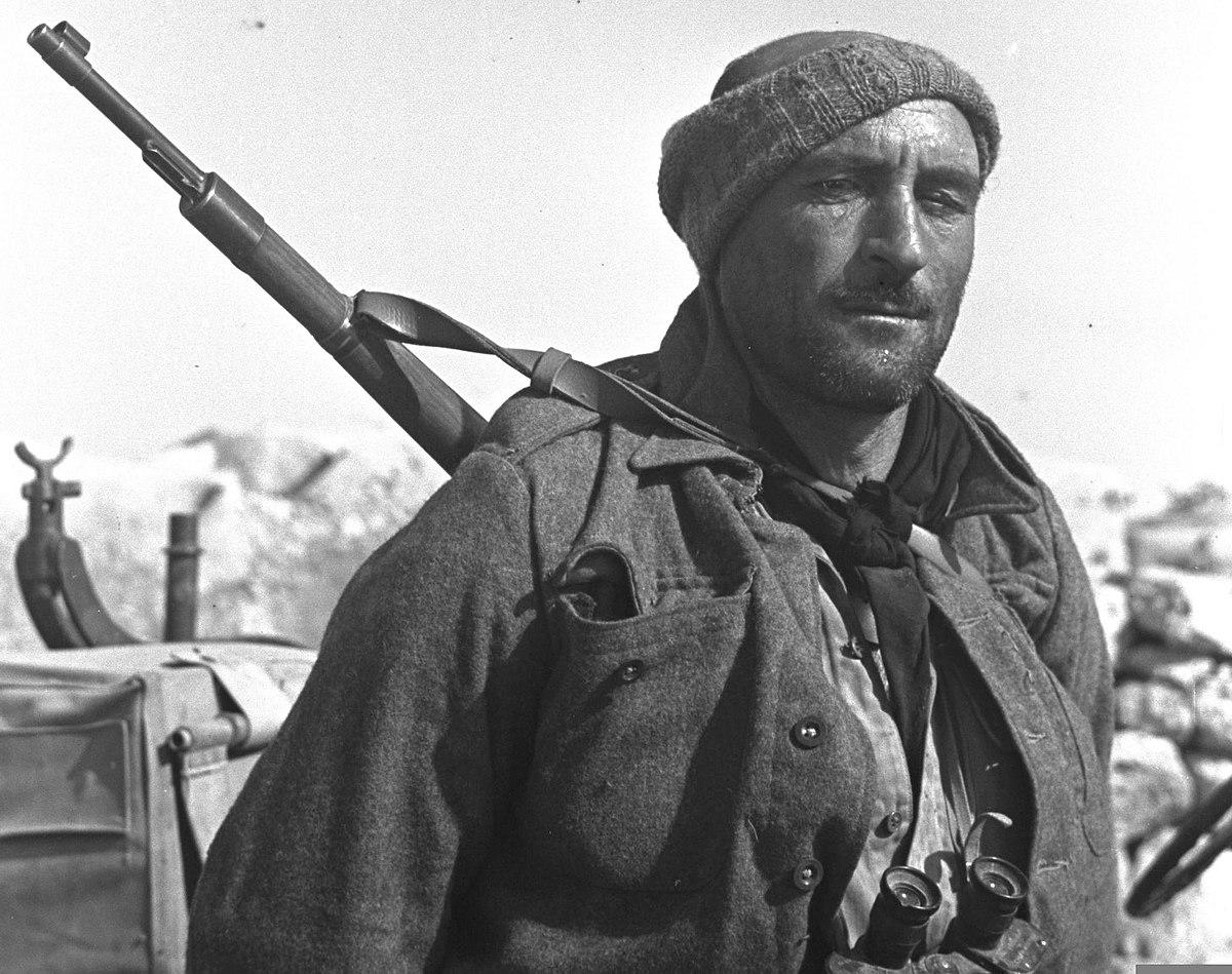 File:AN ISRAELI SOLDIER MOSHE MALCHO.D366-077.jpg - Wikimedia Commons