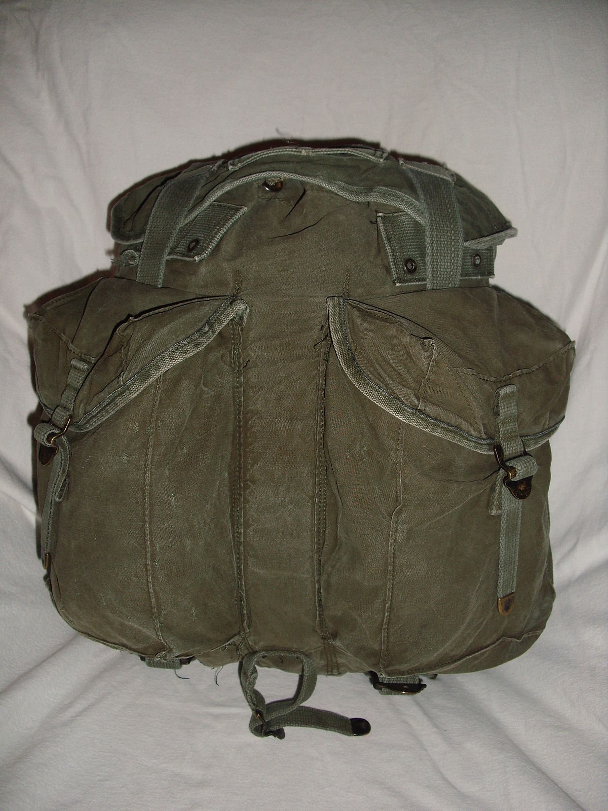 ARVN-Rucksack – Wikipedia