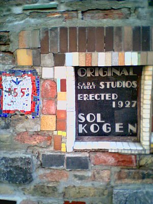 Old Town, Chicago - A plaque about Carl Street Studios on the building itself