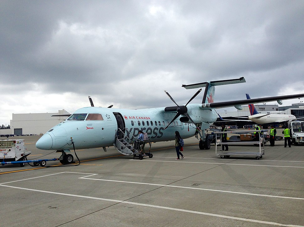 Air Canada Bombardier Dash 8-300