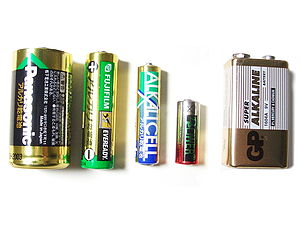Alkaline battery - From left to right: C, AA, AAA, N, and 9V alkaline batteries
