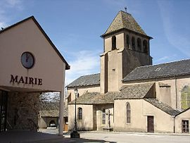 The town hall and church in Alrance