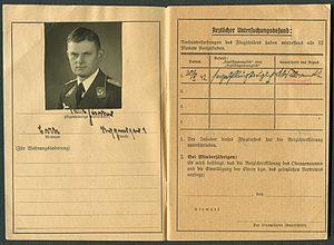 Amtsdokument Paul Fischer 1942-10-14 Hauptmann Nationalsozialistisches Fliegerkorps NSFA Flugbuch Nr. NSFK-Formblatt 602 Ap. A III. 5.38-7.40 Seite 04 und 05 Untersuchungsbefund.jpg