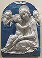 Andrea della robbia (bottega), madonna col bambino, serafini e colomba, 1500-1525 ca..JPG