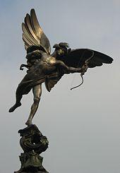 Una statua raffigurante Anteros creata da Alfred Gilbert nel 1885, collocata in Piccadilly Circus, a Londra