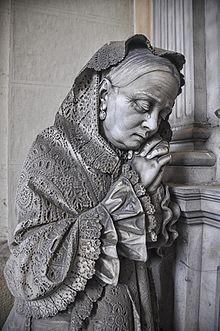 Anziana con scialle.jpg