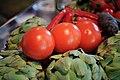 Artischocken und Tomaten (8157849935).jpg