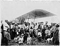 Atterrissage d'un avion Farman, section C O A, à Kenitra, à midi - Fès - Médiathèque de l'architecture et du patrimoine - AP62T090088.jpg