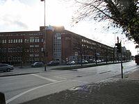 Außenansicht Stadtbücherei im Neuen Rathaus.jpg