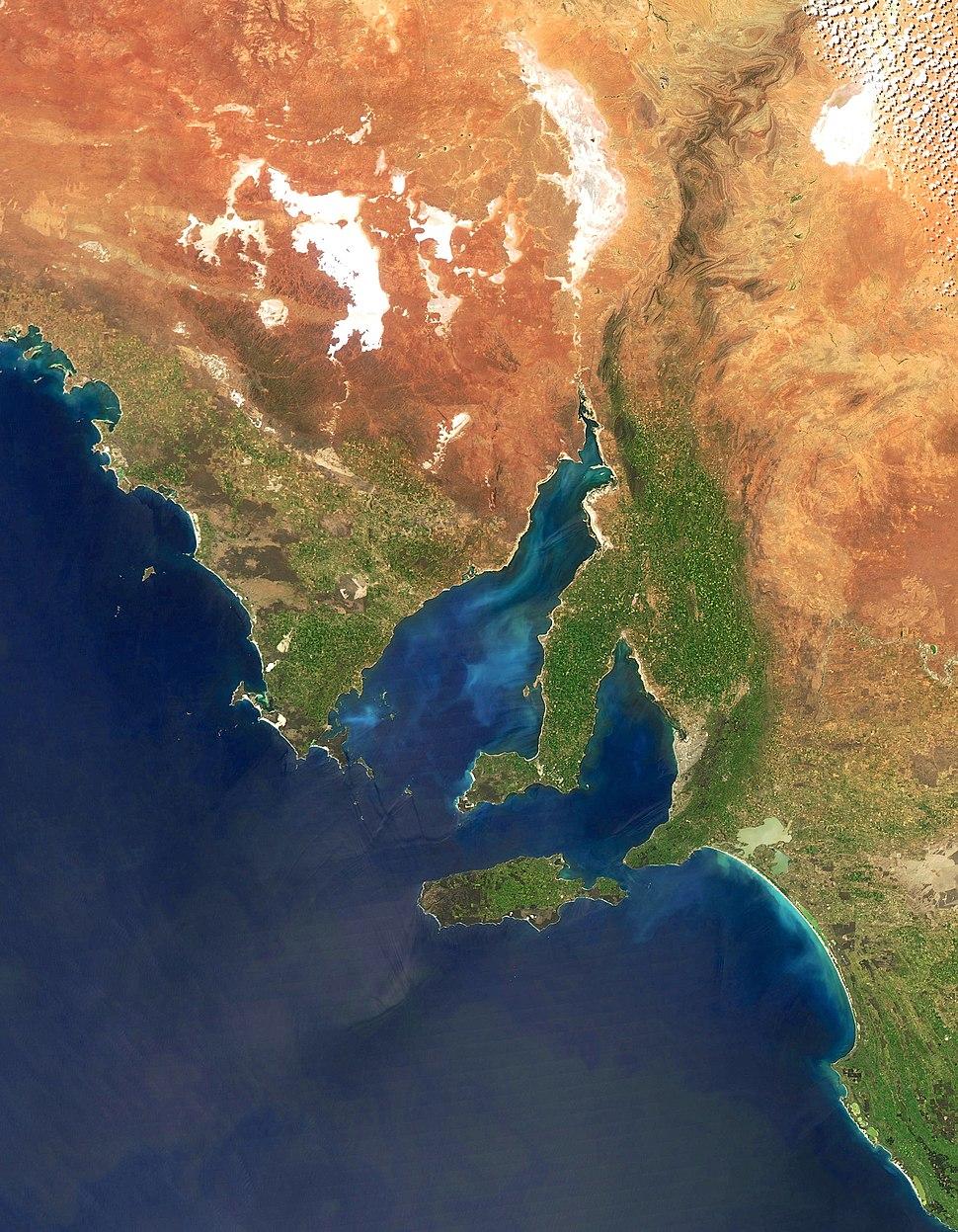 Australia.A2010283.0435.250m