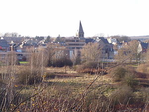 Sambreville - Image: Auvelais view from french cemetery Belgium 20070101 (2) Didier Misson
