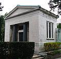 Böhler Gruft Hietzinger Friedhof Wien.jpg