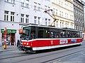 Bělehradská, tramvaj v zastávce Bruselská.jpg