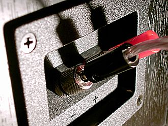 Binding post - Uninsulated binding posts on a loudspeaker connected to banana plugs