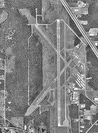 Bellingham International Airport-WA-16 July 1998-USGS.jpg
