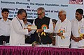 "Bhairon Singh Shekhawat presenting the ""International Gandhi Award – 2006"" to the Chairman, The Nippon Foundation, Japan, Mr. Yohei Sasakawa, at Gandhi Memorial Leprosy Foundation Central Office at Wardha, Maharashtra.jpg"