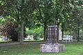 Biebrich Schlosspark Skulptur Joannis Avramidis 02.jpg
