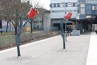 Högdalen metro station - Image: Birgitta Muhr Uppvaxter