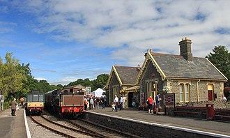 Avon Valley Railway - Image: Bitton 52025 and WPR 15