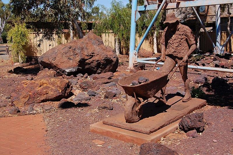 File:Blackrock Stakes Sculpture, Port Hedland, 2012.JPG