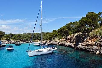Boats at Cova d'en Passol.jpg