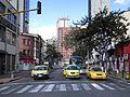 Bogotá carrera 13 calle 24, taxis.JPG