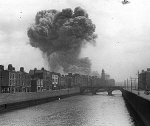 Battle of Dublin - An explosion at the Four Courts during the bombings.