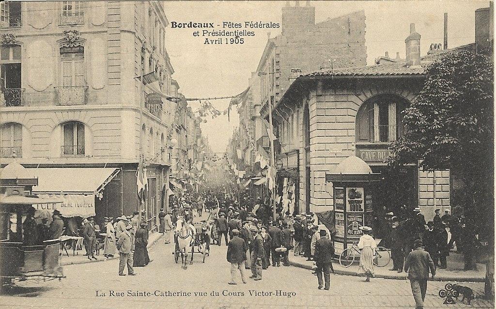 La mode à grands traits et à toutes jambes dans FONDATEURS - PATRIMOINE 1024px-Bordeaux_rue_Sainte-Catherine_avril_1905