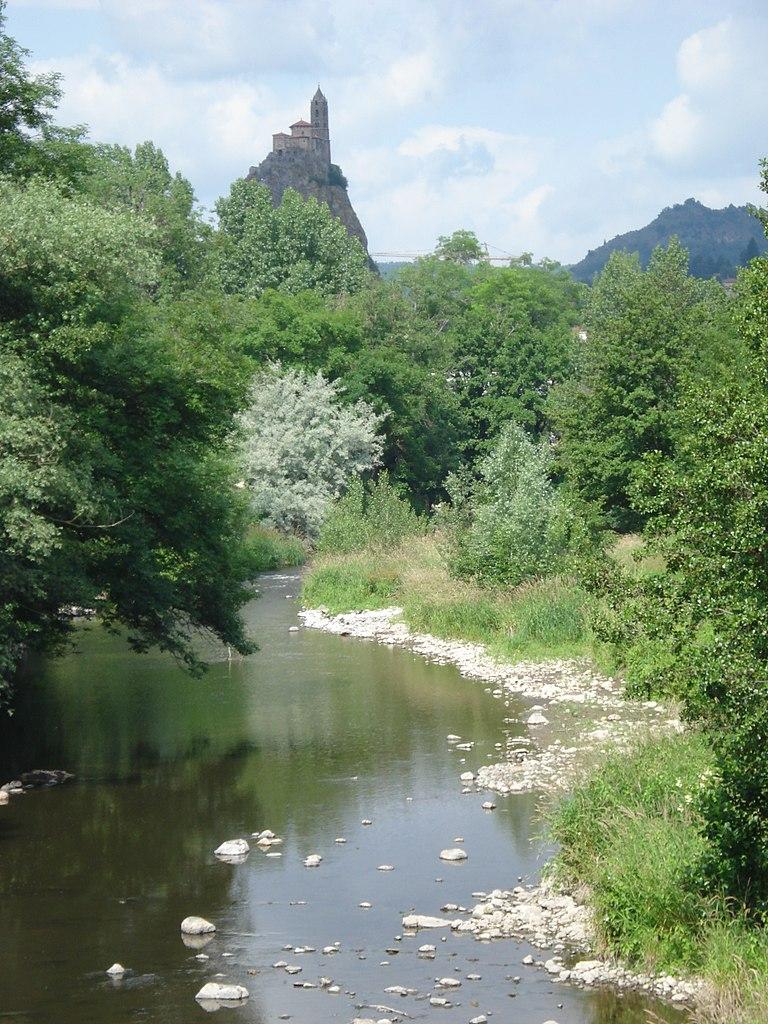 FileBorne River at Le PuyenVelay (Hauteloire, Fr).JPG
